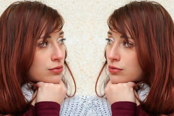 二人の女性の画像