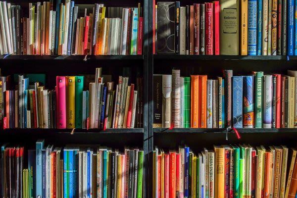 本棚と教材