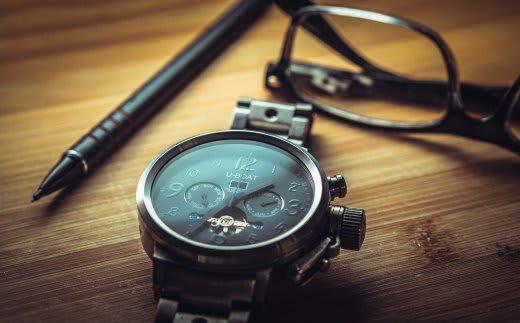 時計とシャーペン