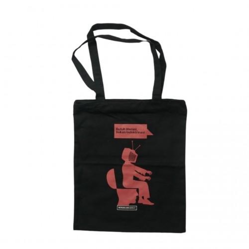Tote Bag Butuh Literasi Bukan Indoktrinasi