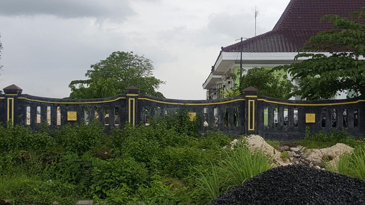 MCW :  Banyak Pekerjaan Proyek Pemerintah di Bangkalan ditemukan Tanpa Papan Nama