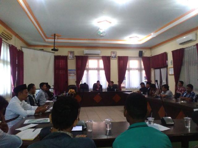 Pengelolaan Pasar Ki Lemah Duwur Amburadul APPSI dan GEMPAR Geruduk Komisi B