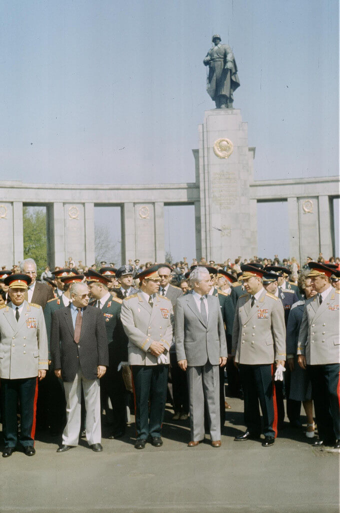Soviet officers Tiergarten in Berlin