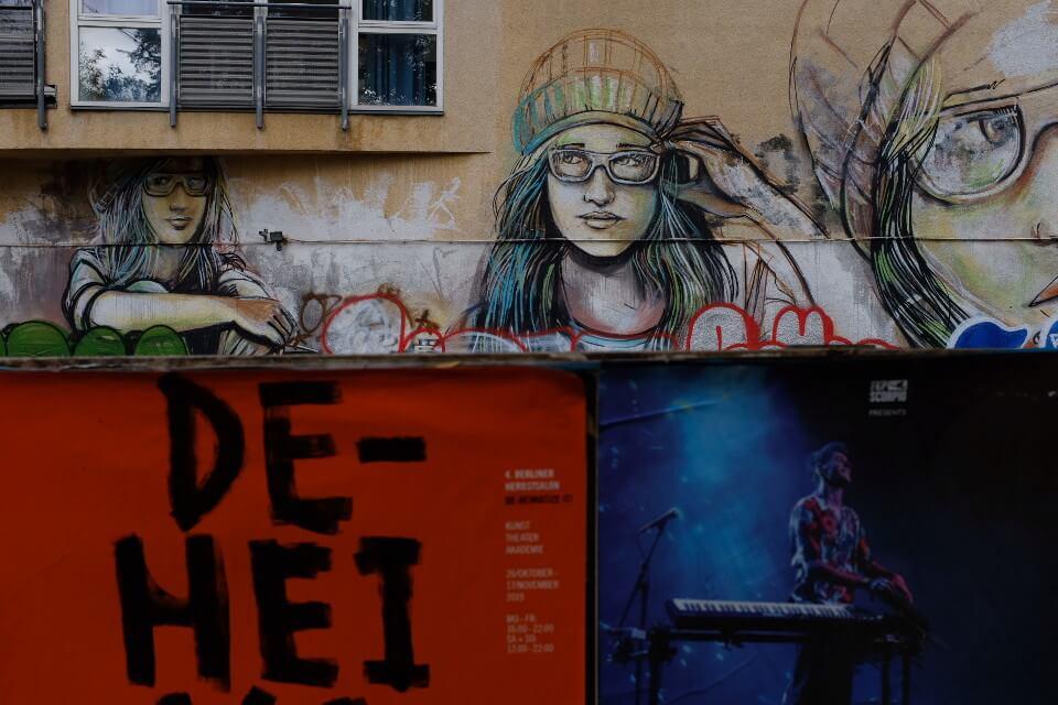 Street Art in Friedrichshain Alice