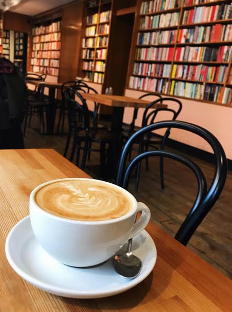 cafe berlin friedrichshain books bagels