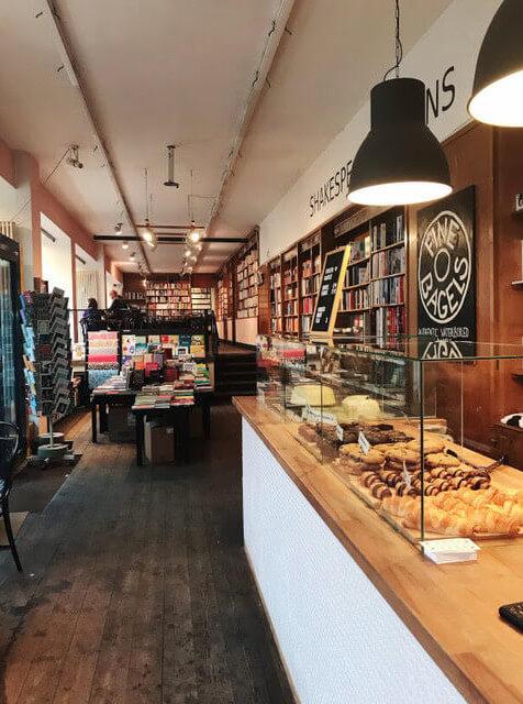 cafe friedrichshain books bagels