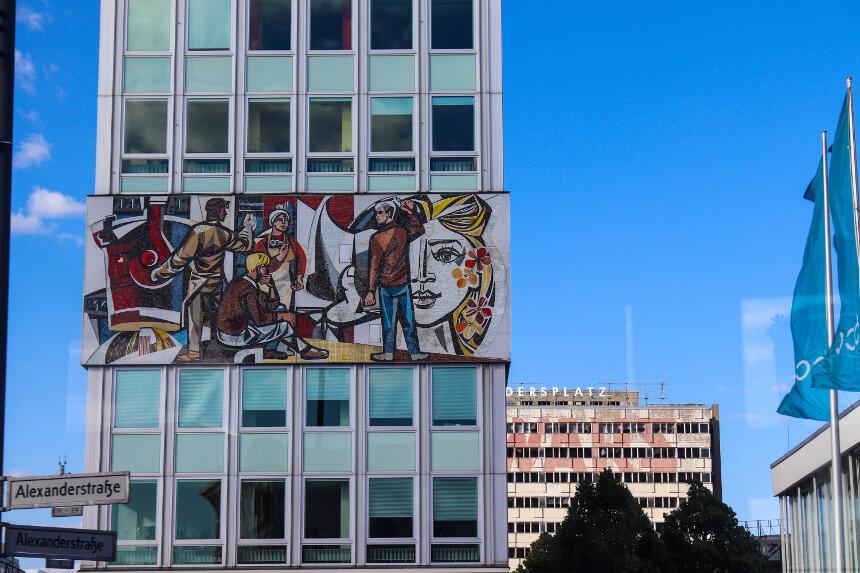 Fries und Mosaik Alexanderplatz Haus des Lehrers