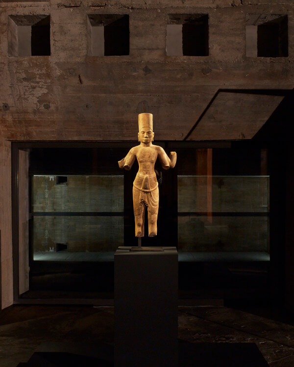Feuerle Collection Statue
