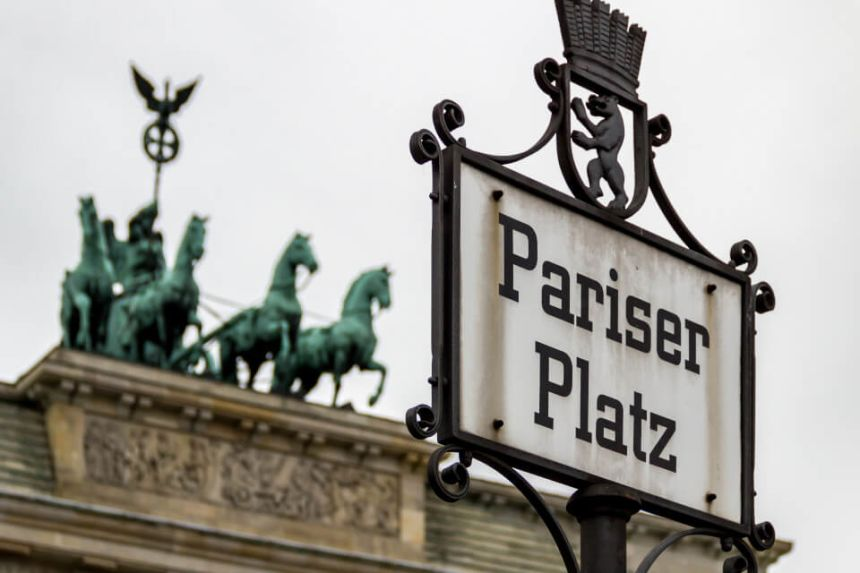 21 Famous Monuments on Unter den Linden