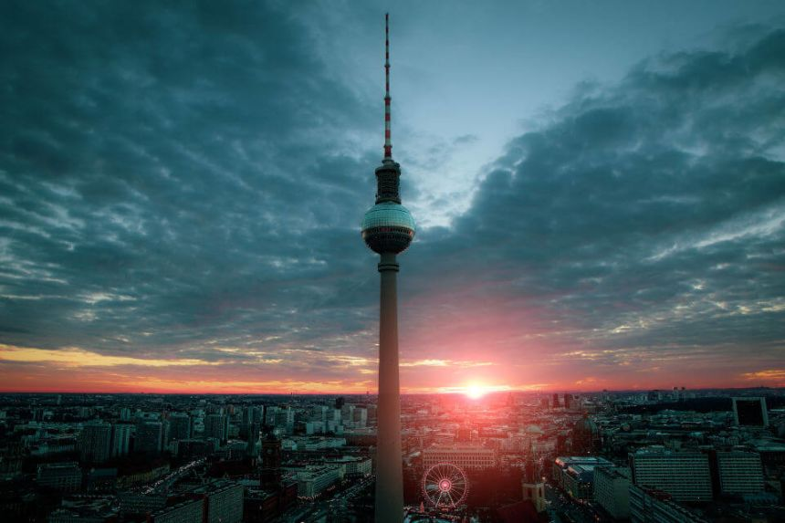 The TV Tower in Berlin (Fernsehturm): History, Visit & Price