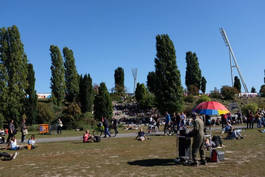 Mauerpark in Berlin on Sunday: Karaoke & Flea Market