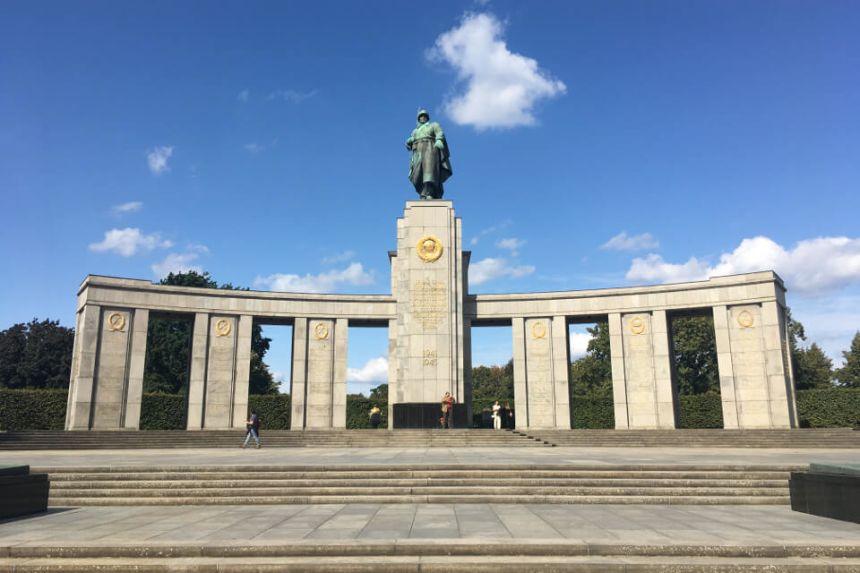 Soviet War Memorial in Berlin Tiergarten - History, Visit & Info