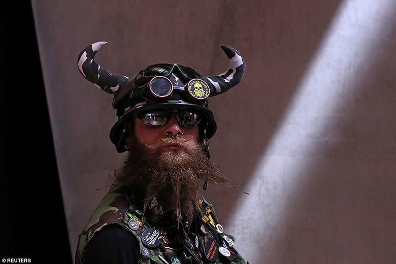 Bizarre Beard style