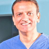 Dr. med. Karim Soulatian