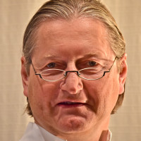 Dr. med. Tobias Pottek