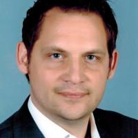 Priv.- Doz. Dr. med. Dr. med. dent. Christian Naujoks