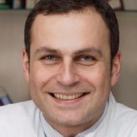 Prof. Dr. med. Robert Cesnjevar