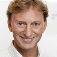 Priv.- Doz. Dr. med. Stephan Götze