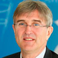 Dr. med. Helmut Steveling