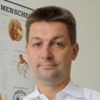 Dr. med. Gert Hennig