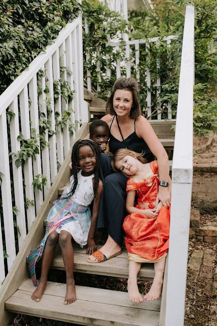 Helen Manson with her three children, Hope, Eva, and Maz