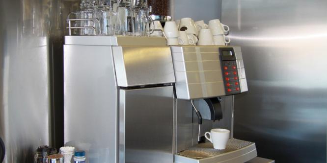 Lohnt sich das Mieten einer Kaffeemaschine fürs Büro?