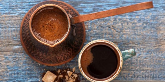 """Wie bereitet man türkischen """"Kahve"""" zu?"""