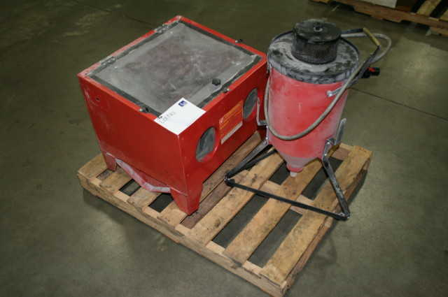Central Pneumatic Abrasive Blast Cabinet & Central Machinery Dust ...