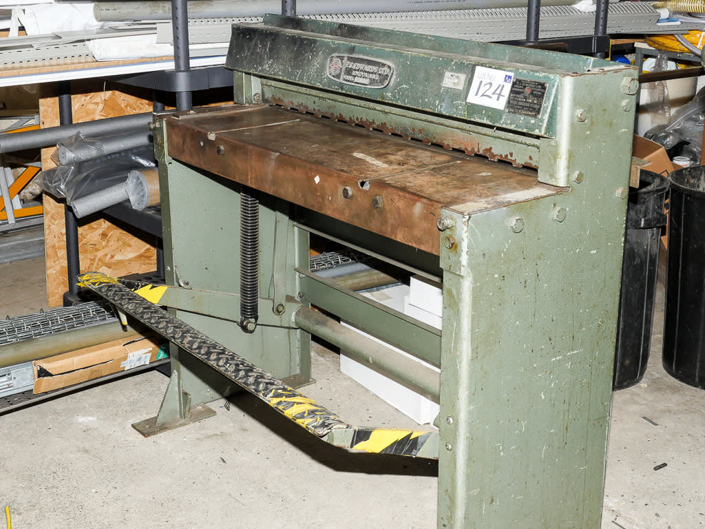 F j edwards model 3/16 tg manual treadle guillotine / shear on.