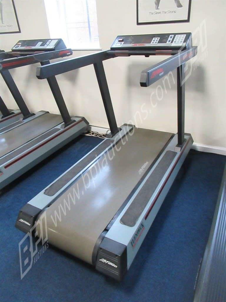 20 1 Life Fitness 9500HR Flex