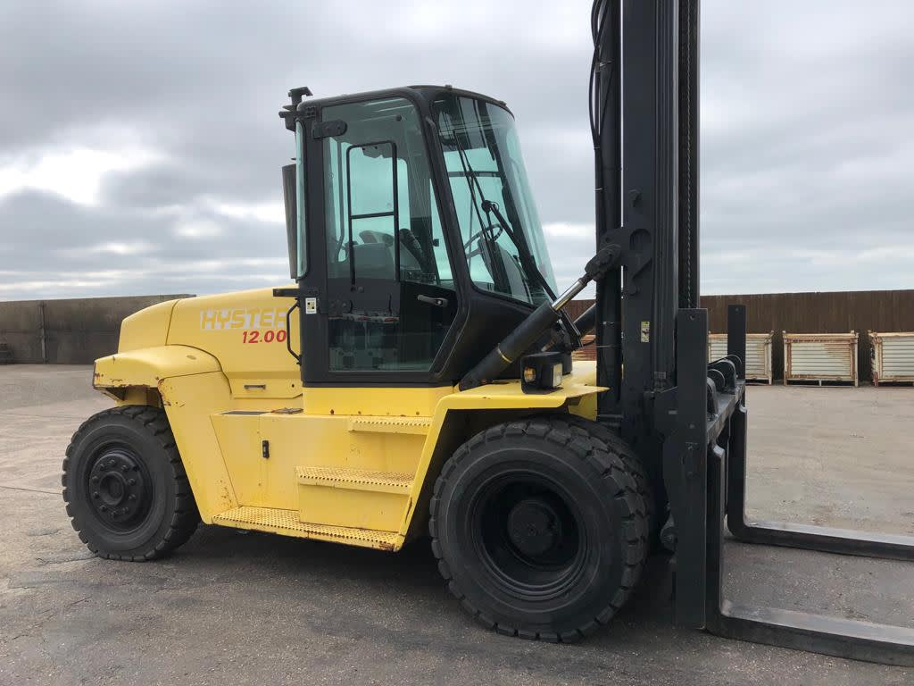 Great Range of Forklift Trucks and Lifting Equipment - 10