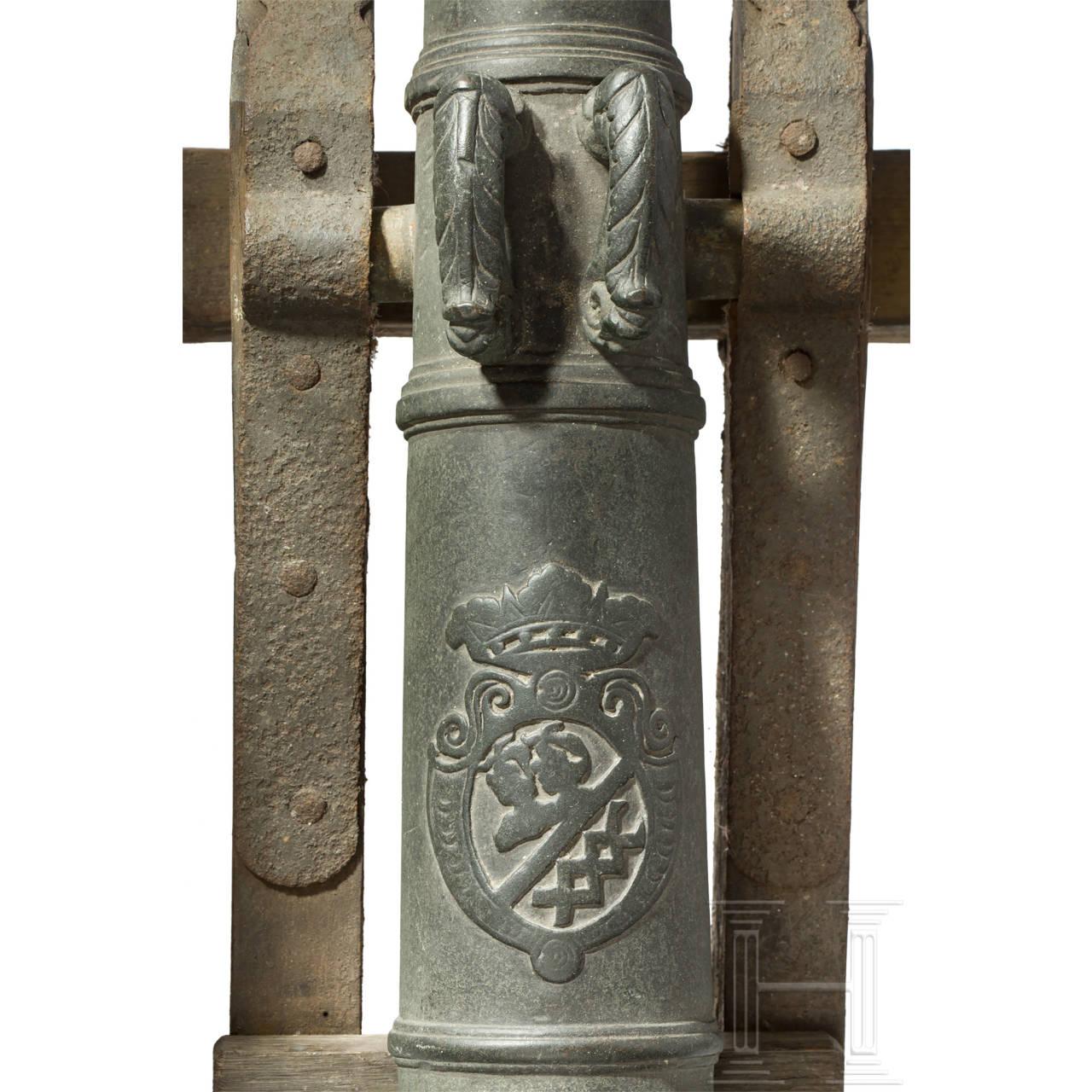 Kleines Salutgeschütz mit Bronzelauf, norddeutsch/Niederlande, 1. Hälfte 18. Jhdt.