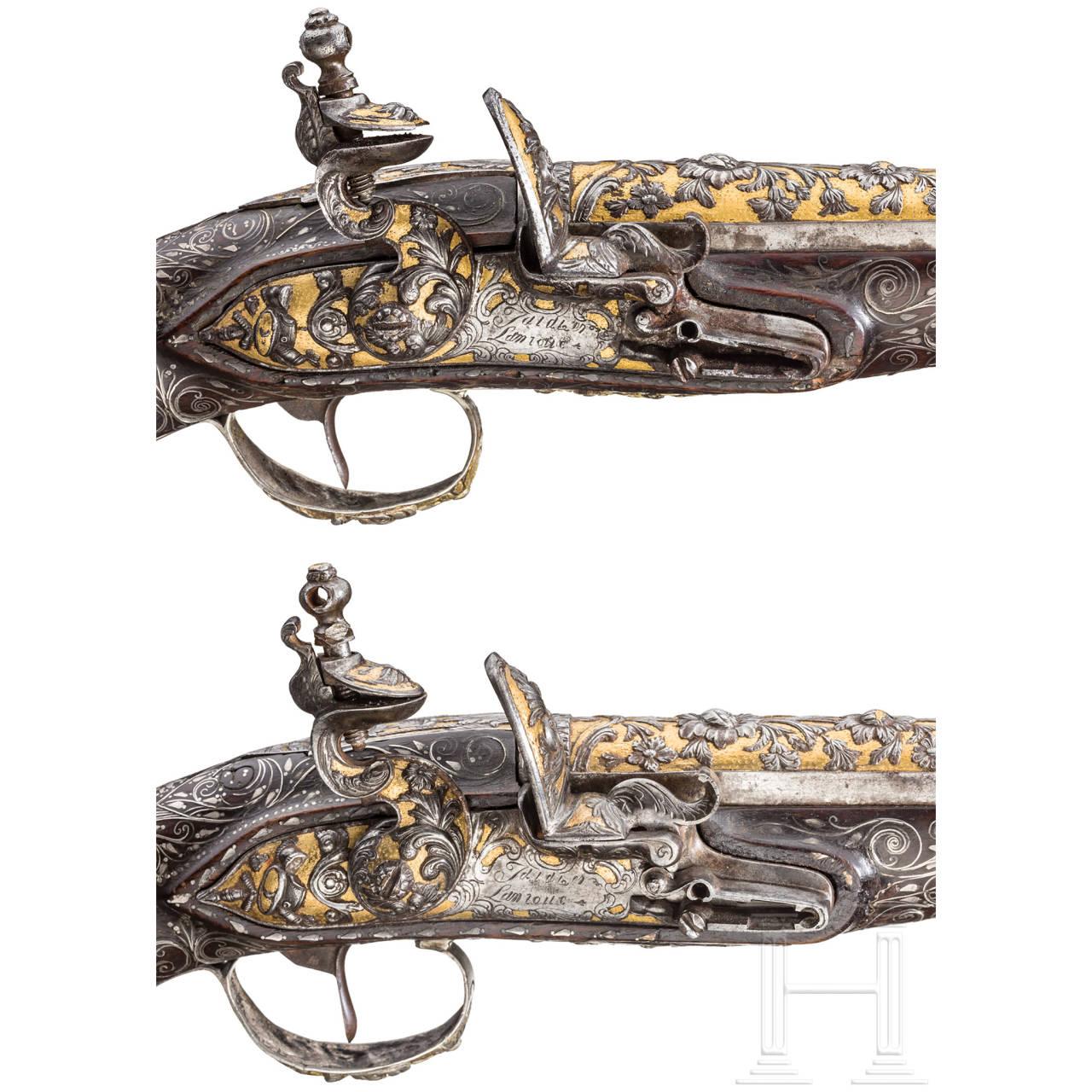 Ein Paar eisengeschnittene Luxus-Orientpistolen für den orientalischen Markt, Frankreich, um 1810/20