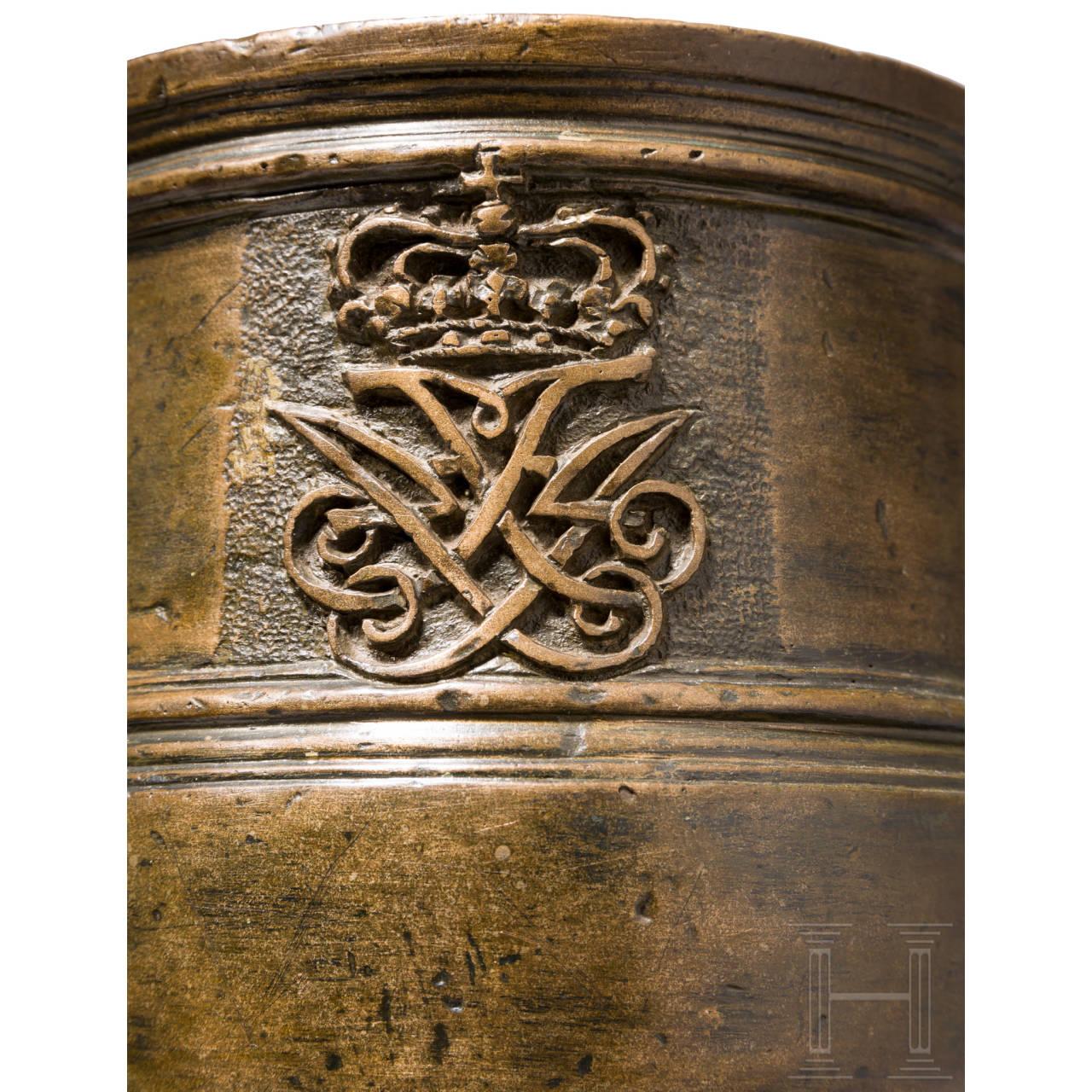 Schwerer Bronze-Standmörser mit Monogramm König Frederiks IV. von Dänemark und Norwegen, 1704-08