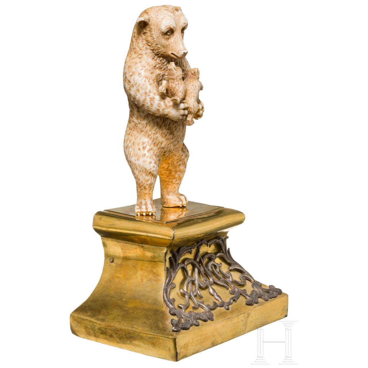 A probably Russian sculpture of a bear with two cubs, 18th/19th century