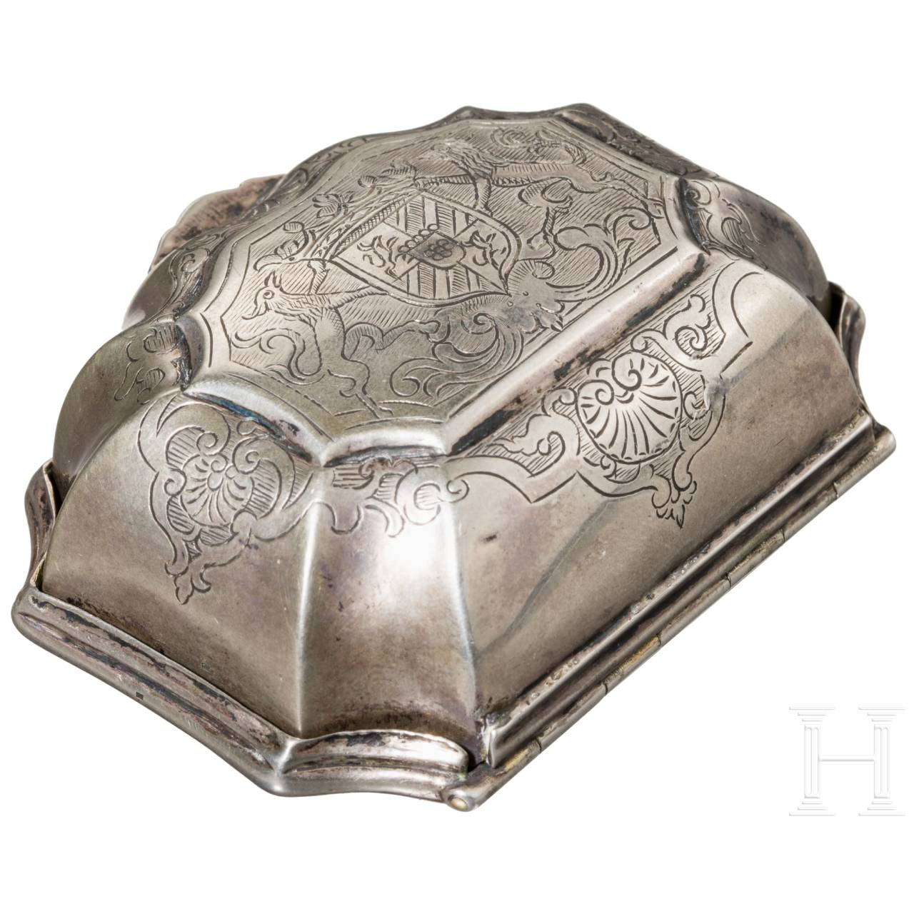 A fine German engraved silver and vermeil snuff box, 17th century