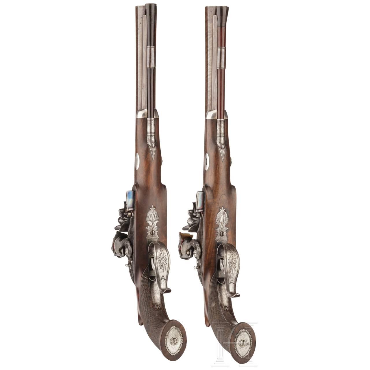 Ein Paar Steinschlosspistolen mit Anschlagschaft im Kasten, H. W. Mortimer & Co. in London, um 1810