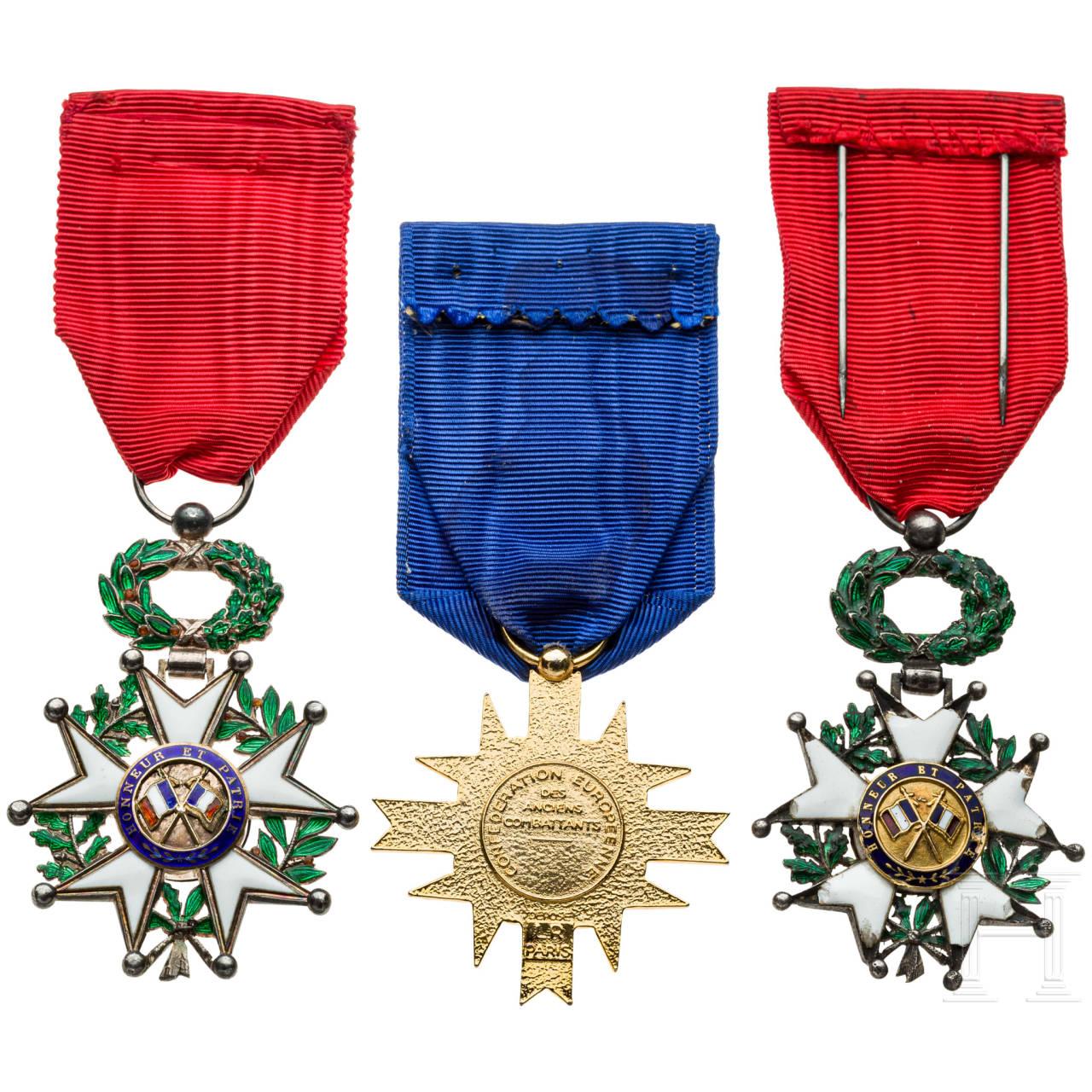 Drei Auszeichnungen, Frankreich, 20. Jhdt.