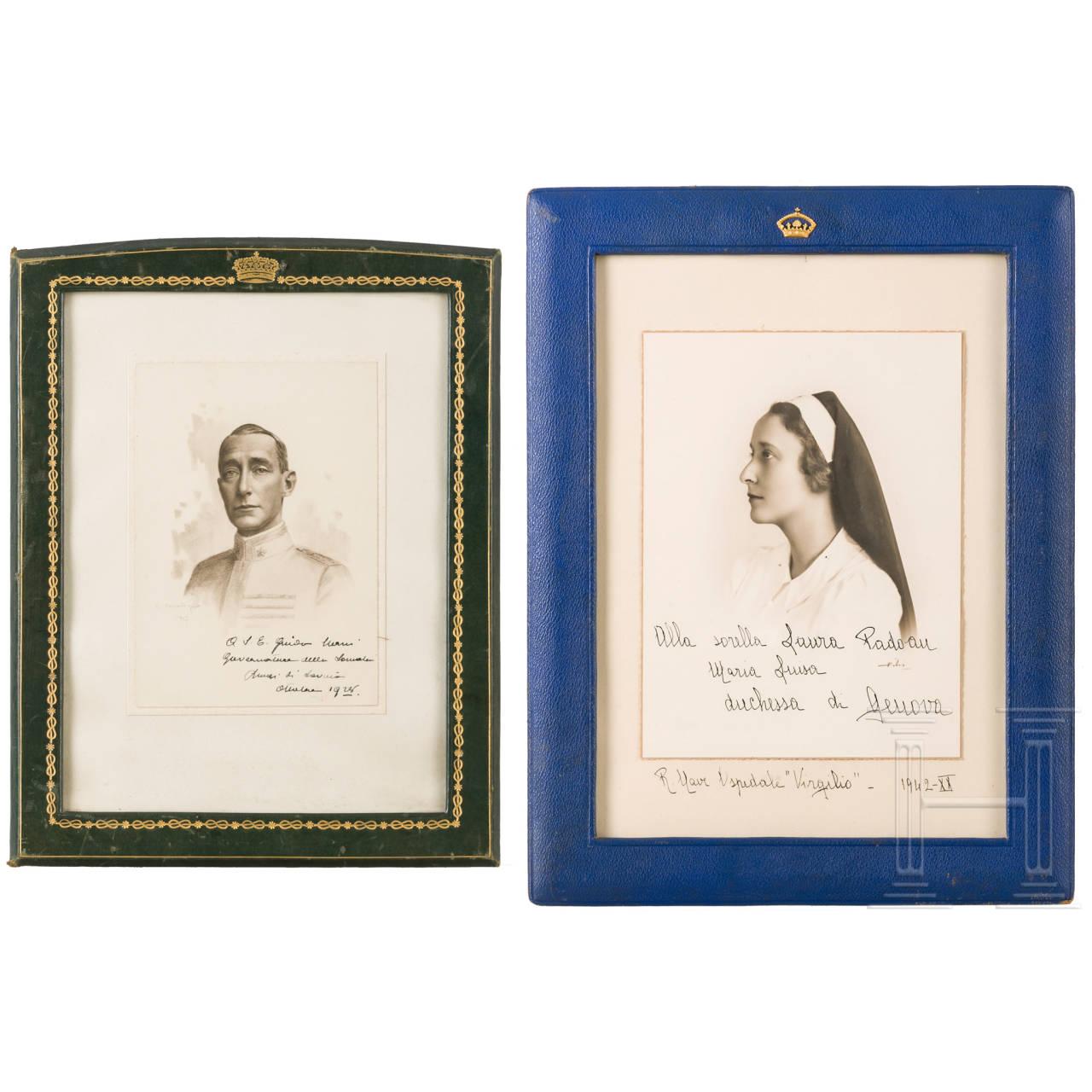Zwei handsignierte Fotos des italienischen Königshauses