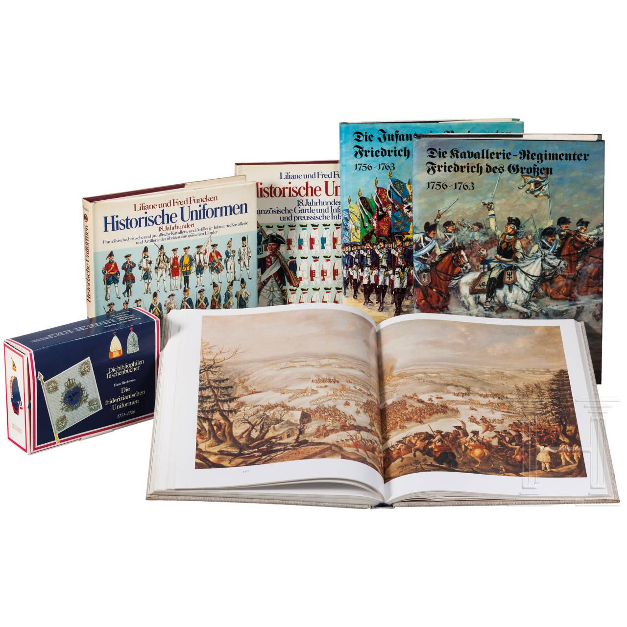 Sechs Bücher zum Thema altpreußischer Uniformierung