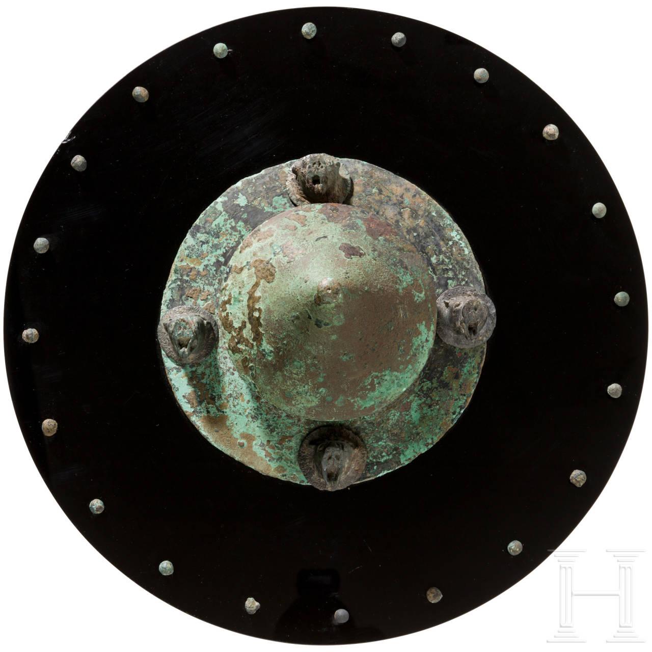 Dekorationsschild aus versch. antiken Elementen