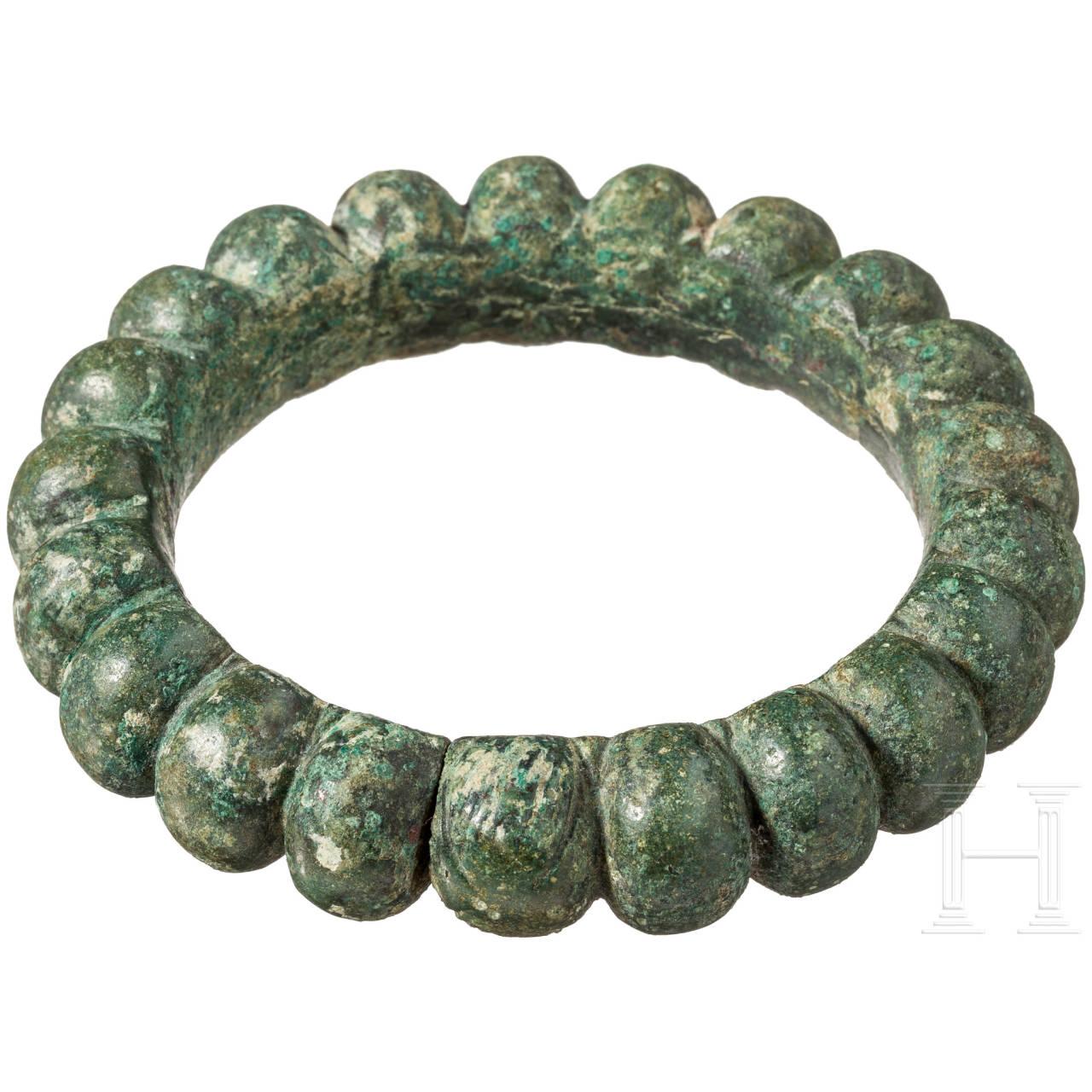 Massiver Bronzearmreif, etruskisch, 6. Jhdt. v. Chr.