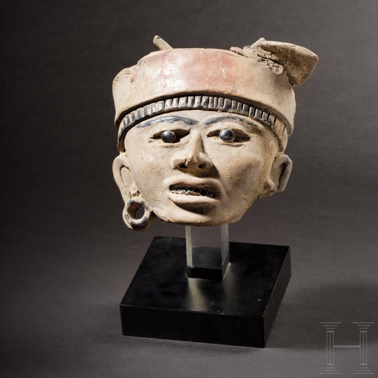 Veracruz Terrakotta-Kopf eines Kriegers, Mexico, Remojadas-Kultur, ca. 100 v. Chr. - 800 n. Chr.