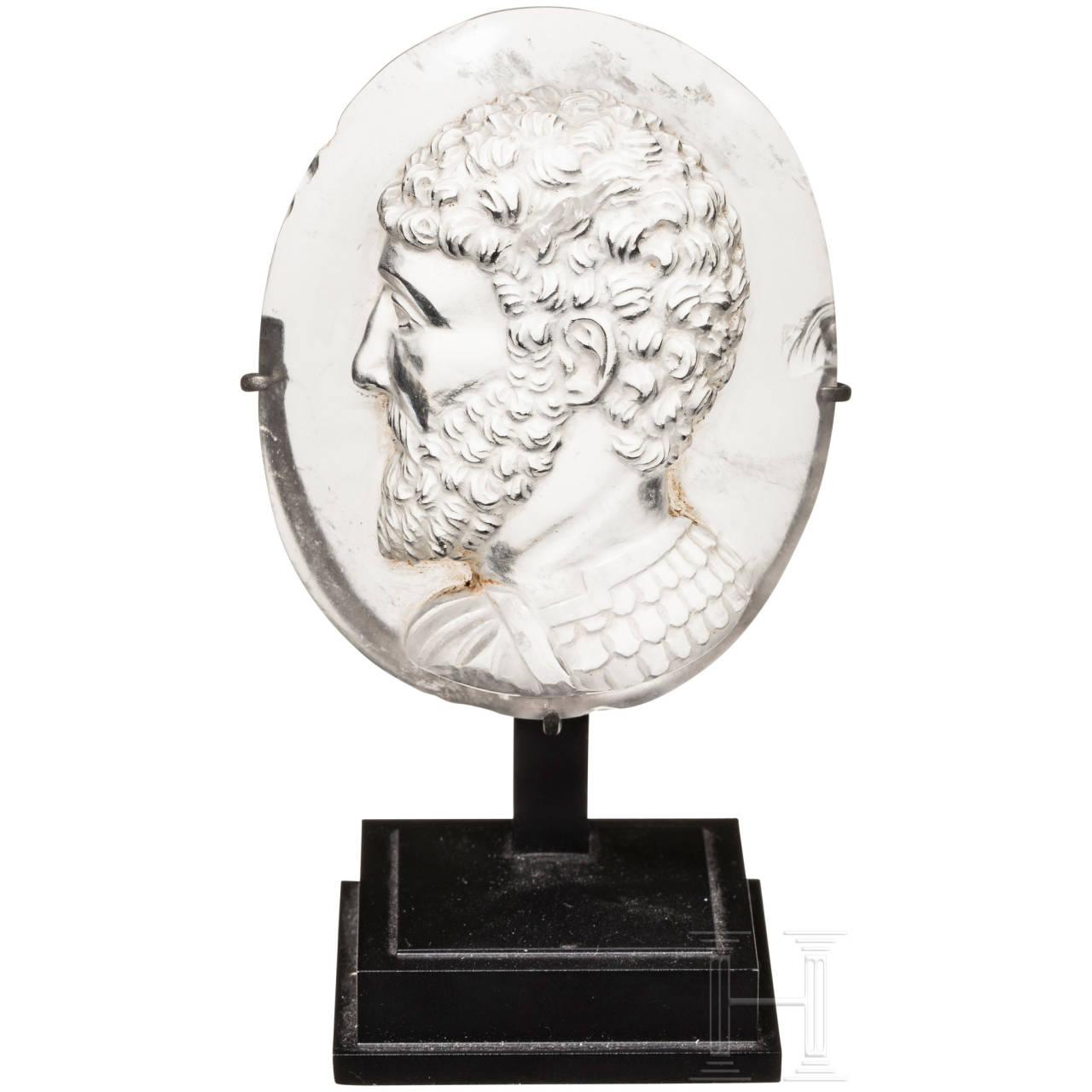 Idealtypischer Bergkristallkameo eines römischen Kaisers in Rüstung, Italien, Mitte 19. Jhdt.