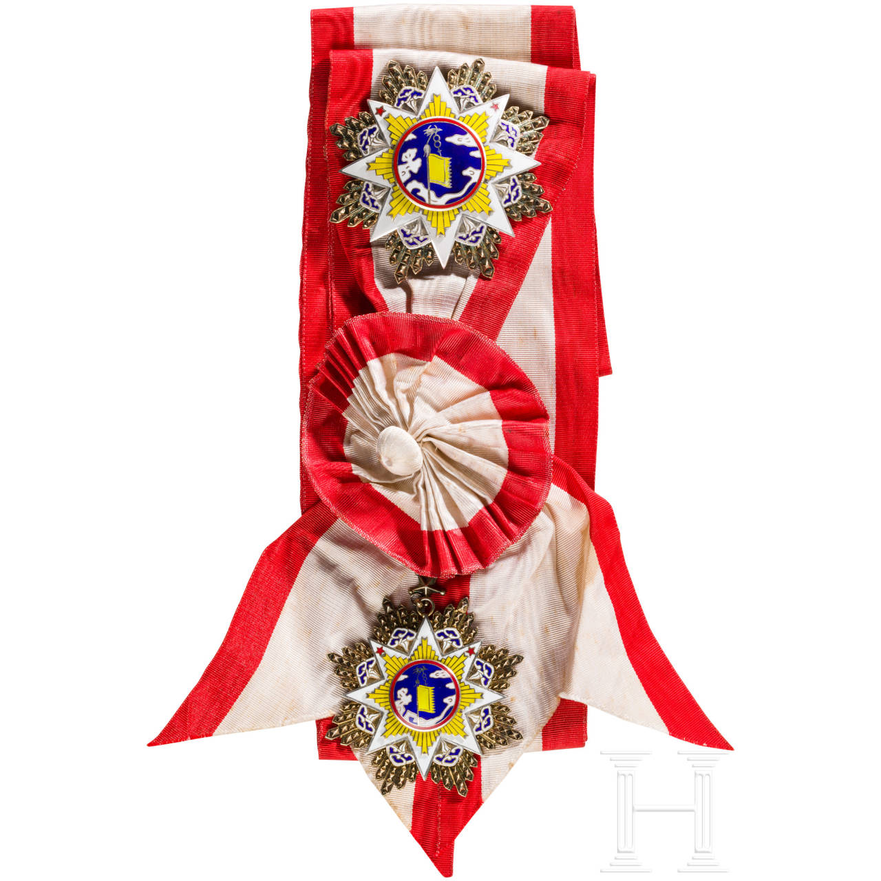 A Chinese Order of the Cloud and Banner, 2nd Class jewel, complete with breast star and original ribbon, 1st Republic