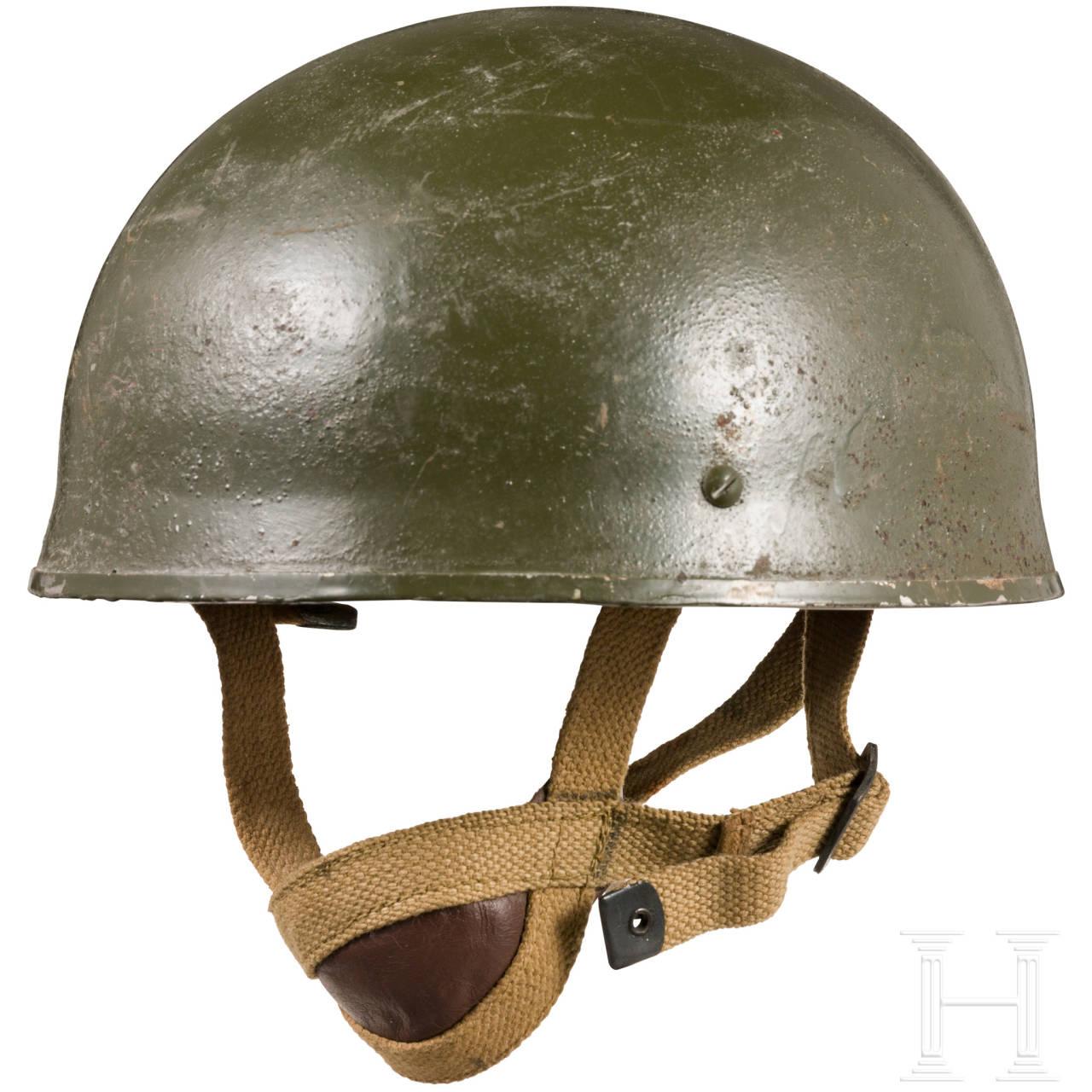 Steel helmet for paratroopers in World War II