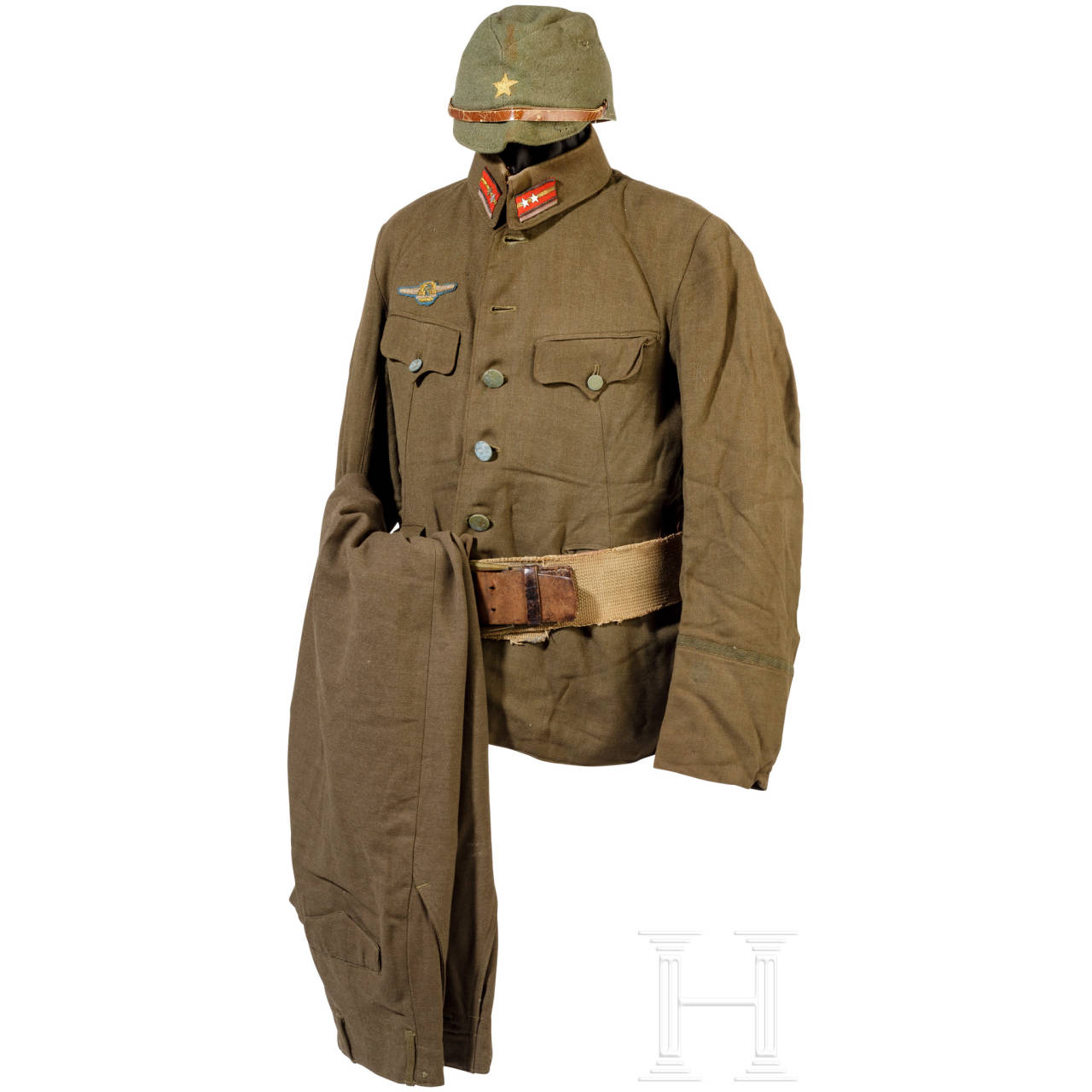 A uniform and equipment ensemble for a 1st lieutenant, World War II