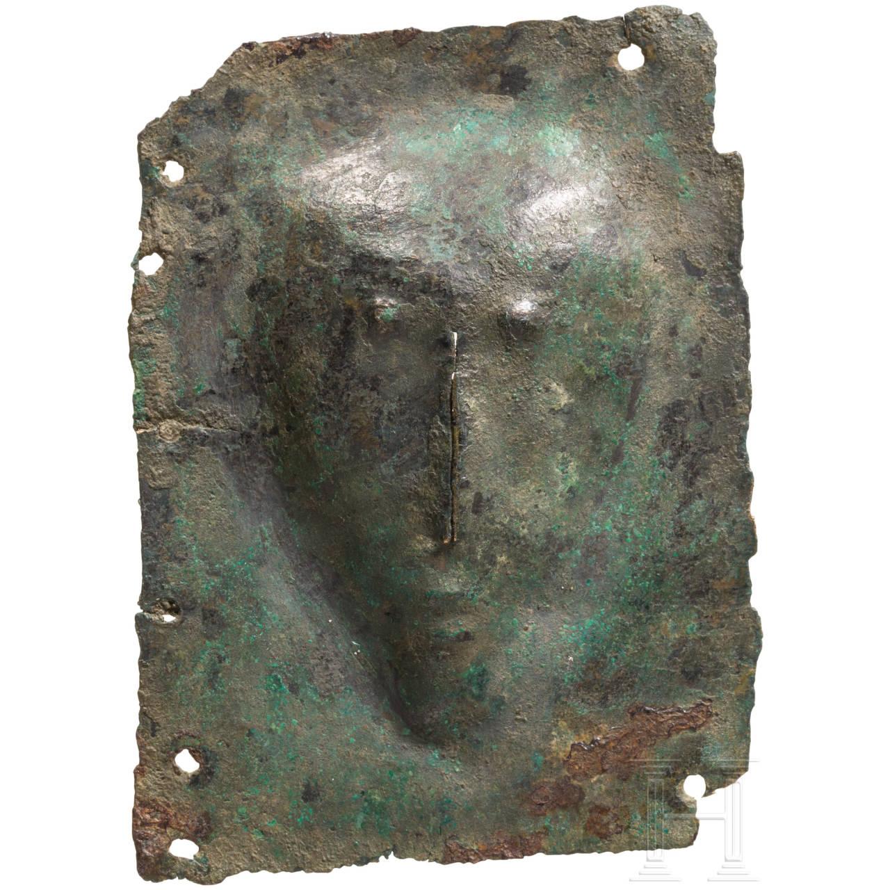 Kleines Votivblech mit Kopf, urartäisch, 8. Jhdt. v. Chr.
