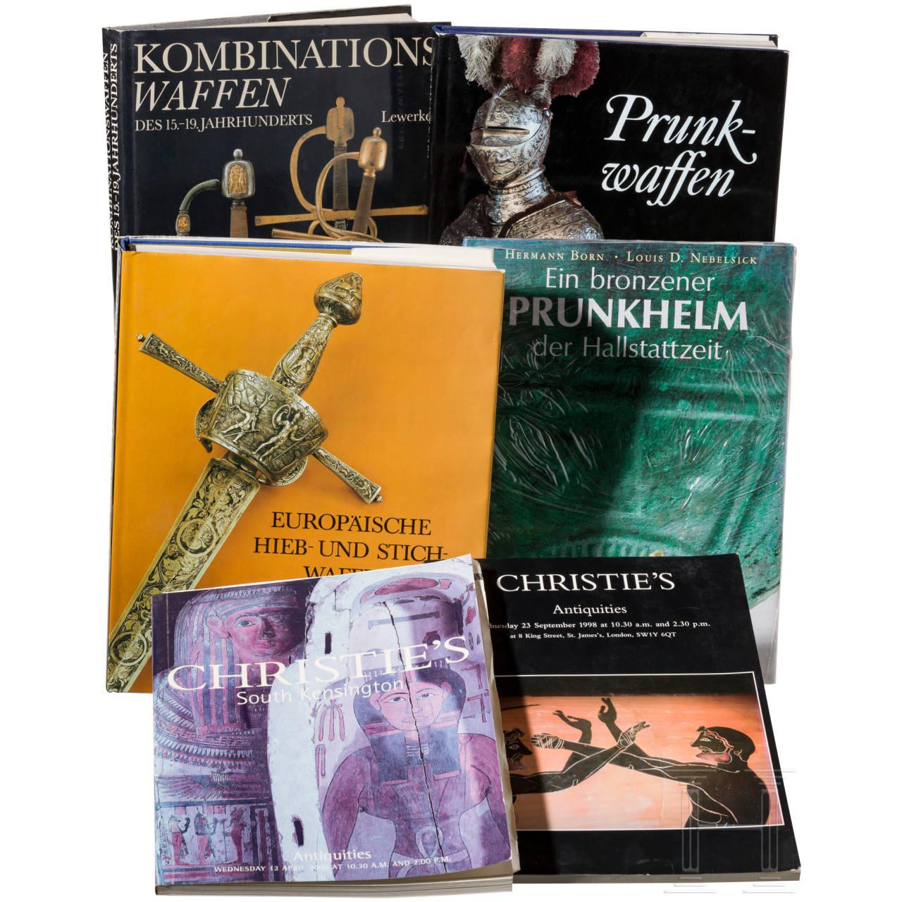 Bücherkonvolut zum Thema europäische Waffen im der Antike, im Mittelalter und in der Moderne
