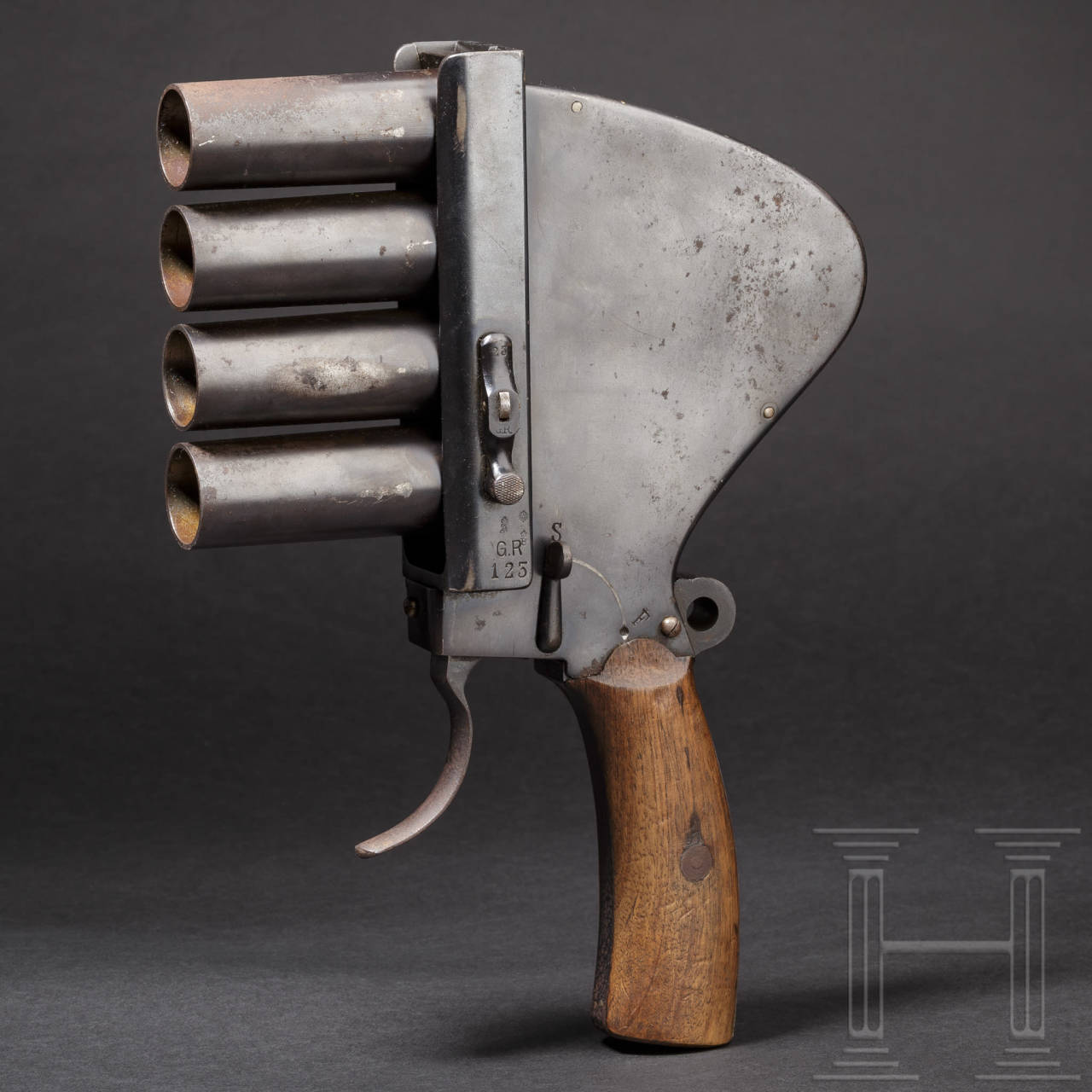 A four-barrelled flare gun by Gebr. Rempt